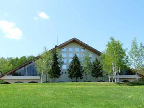大自然と美しく調和し、四季折々の富良野の景観をお楽しみいただけるホテルです♪ ビジネスに!観光に!北海道 富良野ステイ!スタンダードプラン