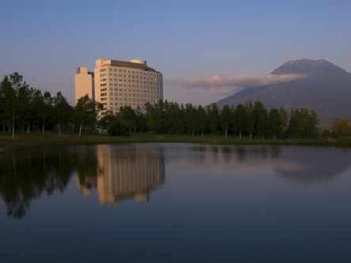 羊蹄山麓の壮大なリゾートに位置するリゾートホテル。最高のロケーションでヒルトン流のおもてなし♪ ビジネスに!観光に!北海道 ニセコ東山ステイ!スタンダードプラン