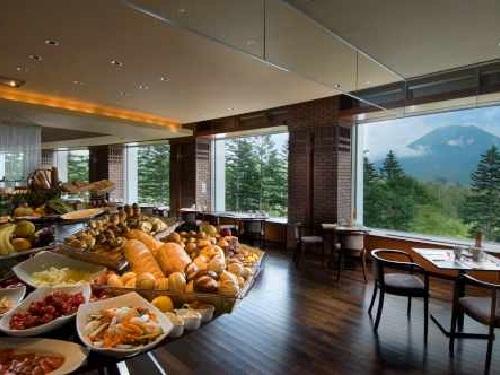 羊蹄山麓の壮大なリゾートに位置するリゾートホテル。最高のロケーションでヒルトン流のおもてなし♪ ビジネスに!観光に!北海道 ニセコ東山ステイ!スタンダードプラン デラックスルーム