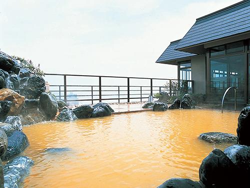 割増ホテルの一例 湯の川温泉「平成館 海羊亭」 露天風呂