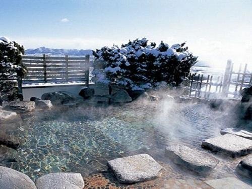 選べるホテルの一例 湯の川温泉「湯元啄木亭」 露天風呂