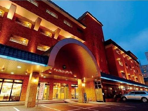 割増ホテルの一例 「湯の浜ホテル」 外観 ※客室は中央館利用