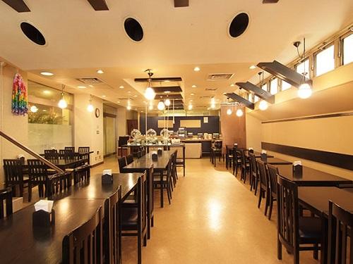 レストラン「ユニゾ」