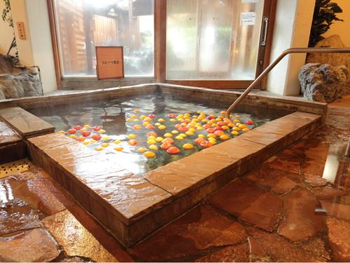湯遊天国(本館)フルーツ風呂