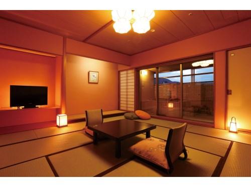 お部屋(本客殿/露天風呂付客室)の一例