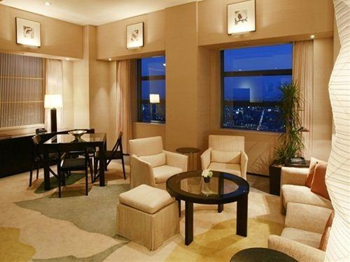 特別な日の想い出に♪42階以上、広さ100平米のスイートルームが1日1室限定でハッピープライス! 【憧れのお部屋に泊まる】 パークスイートツインルームステイプラン
