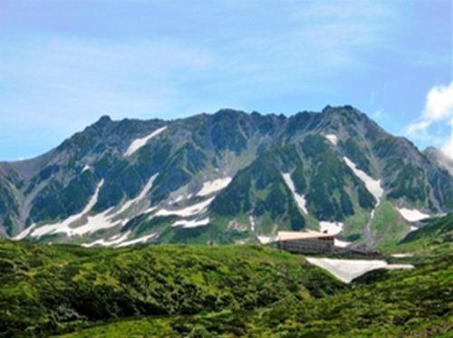 ホテル立山 全景(夏)