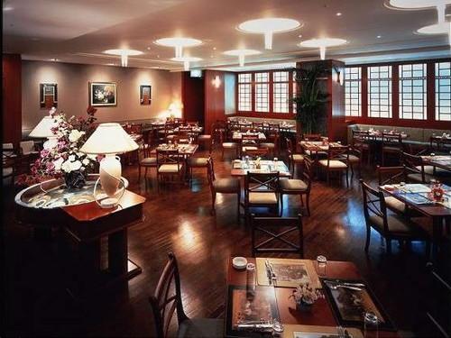 2階レストラン「ポロ」