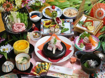 夕食は3種類から選択を!JR石和温泉から徒歩5分の好立地。姉妹館への無料湯めぐりもおすすめ! □春夏のおでかけ! 選べる夕食プラン