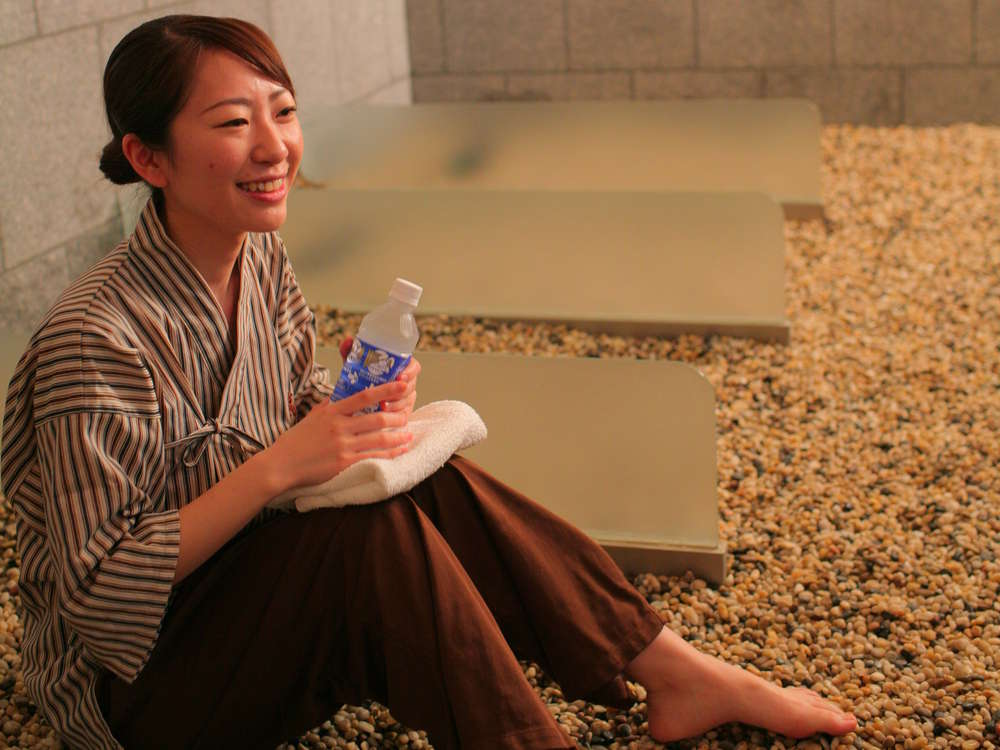 ワイナリー巡りや富士五胡観光の拠点に!甲州ワインを揃えたBAR・嵐の湯・エステが充実!女子旅に♪ 山梨県 春日居温泉に泊まろう!スタンダードプラン