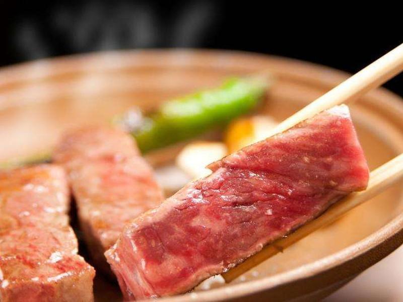 甲州牛をメインとした特別会席プラン♪美肌の湯やワインバーがおすすめ! □秋冬のおでかけ♪ 甲州牛を味わう特別会席料理プラン