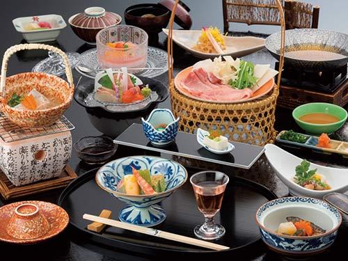夕食(和会席)の一例