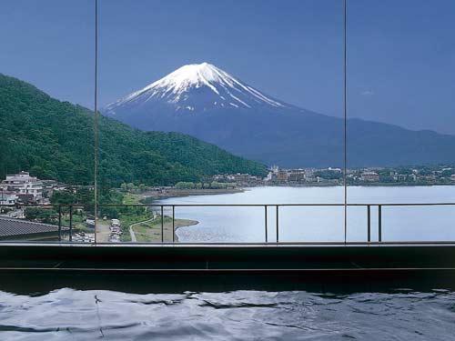 お風呂のイメージ(雄大な富士山を眺めながら)