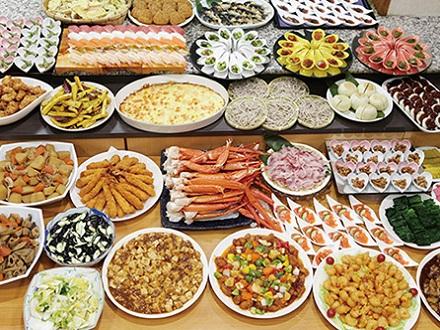 夕食(和洋中バイキング)のイメージ