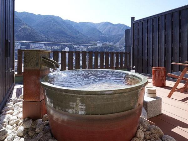 小川屋 本館露天風呂付客室「伍睦」の一例