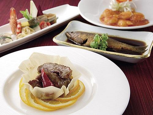 夕食(四川料理)の一例 ※要割増代金