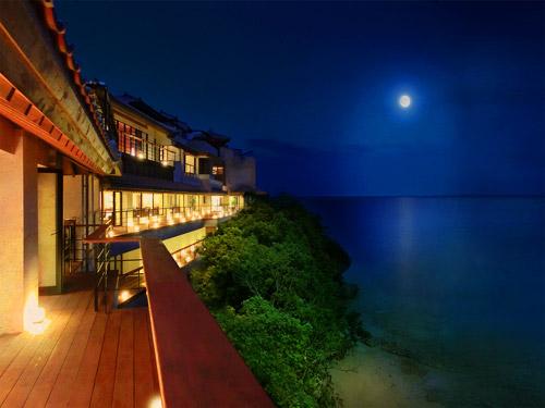 オーシャンフロントのゆったりとしたお部屋 【高級ホテルで過ごす沖縄】 【夕朝食付き】エグゼクティブスイートに泊まる沖縄♪