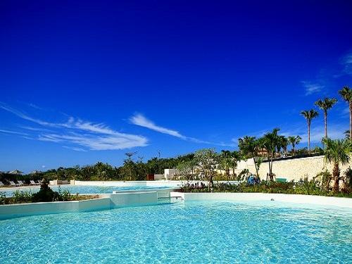 ホテル 屋外プールのイメージ