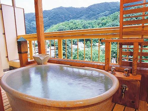 天然ラジウム温泉の庭園露天風呂・衣懸けの湯も大好評です。 大阪 池田・伏尾温泉に泊まろう!露天風呂付客室プラン