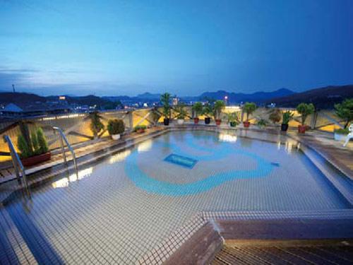21日前までの予約がお得!<br>2010年リニューアル。最上階「空中露天風呂」からの眺めは圧巻です 「ザ・九州」さが 【早21】九州に泊まろう!
