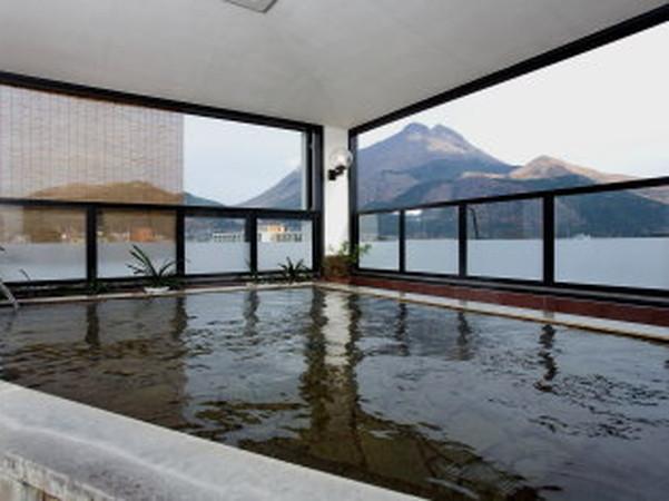 2泊目 割増なしで選べるホテルの一例 湯布院温泉「旅館 上の湯」 展望露天風呂