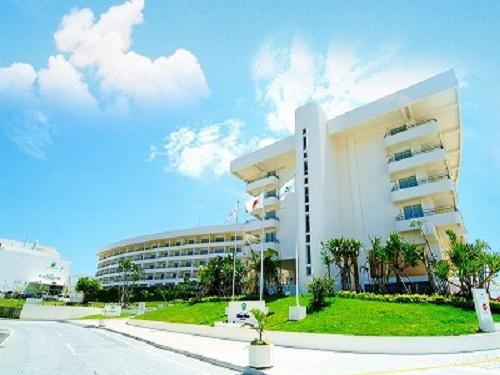 基本ホテルの一例 北中城「EMウェルネスコスタビスタ沖縄 ホテル&スパ」 外観