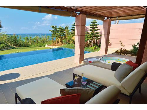 憧れのホテルでのんびり過ごす・・沖縄リゾートへの旅<沖縄本島・離島>