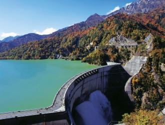 黒部ダムのイメージ ※放水期間6/26〜10/15。天候によりご覧いただけない場合有