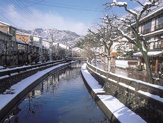 【ぽかぽか湯めぐりと旬の味覚かに♪】まち歩き 城崎温泉 2日間