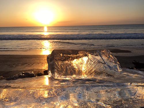 【海岸に打ち上がる宝石のような氷】ジュエリーアイスと然別湖・十勝川