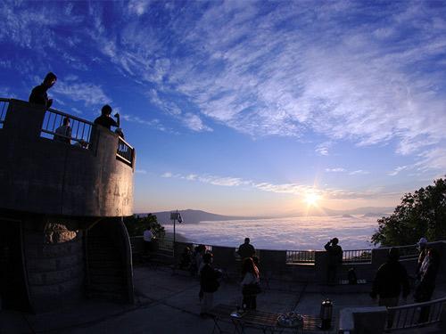 屈斜路湖・雲海ツアー in 津別峠 イメージ ※雲海遭遇率は月により異なります。