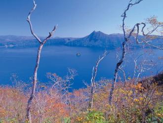 摩周湖(10月頃)のイメージ※ひがし北海道周遊バス「サウスルート」で訪れます