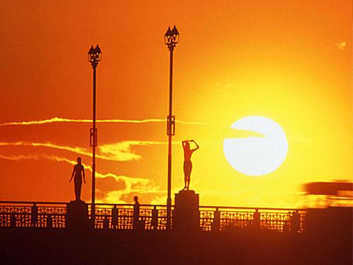 釧路 イメージ ※幣舞橋(ぬさまいばし)の夕日