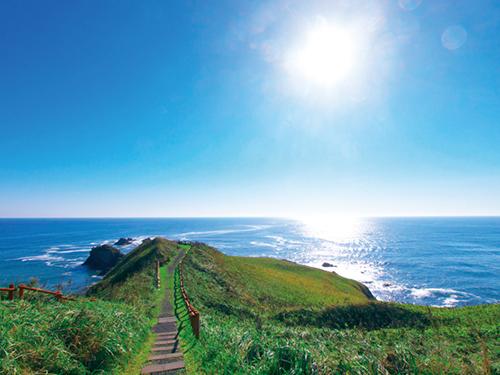 モデルコースで巡ると、霧多布岬は、おすすめの観光スポットです。