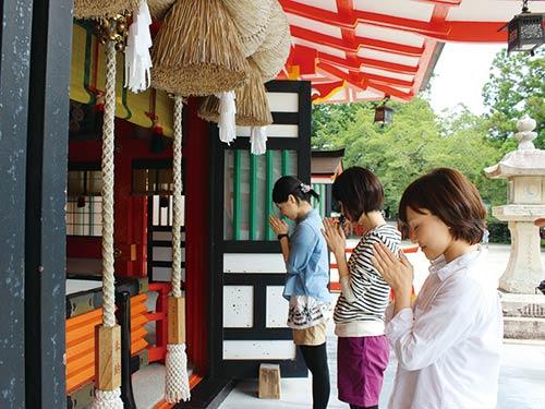 神の棲む国 熊野古道と熊野三山