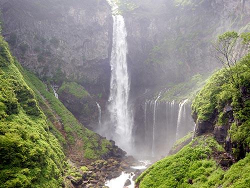 華厳の滝(イメージ)