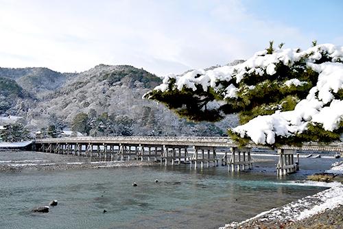 雪 渡月橋
