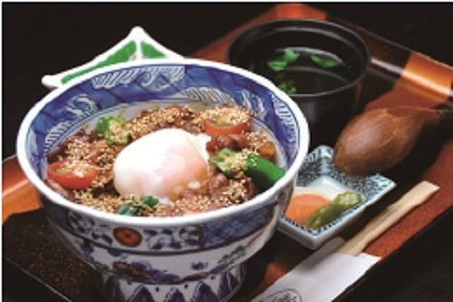青葉「黒豚丼」のイメージ