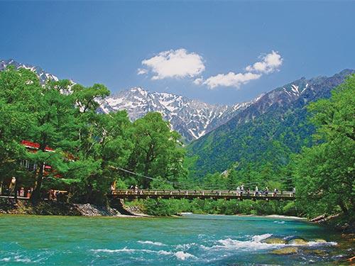 河童橋から穂高連峰を望むイメージ 提供:アルプス観光協会