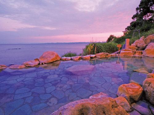 浜千鳥の湯 海舟 混浴海岸露天風呂「浜千鳥の湯」