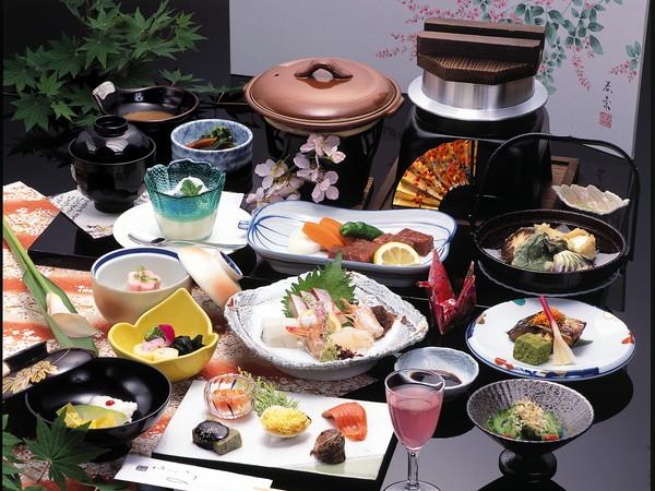 料理(おすすめプラン あさぎり会席膳)の一例