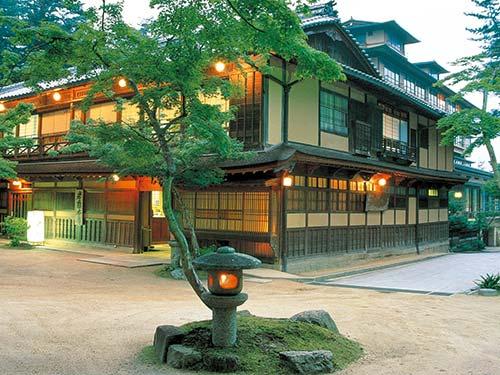 宮島に泊まろう! 広島県への旅! 和室 新館