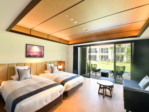 石垣では数少ないオンザビーチホテル♪ 21年上期お得な宿泊プラン沖縄 おすすめホテル パティオスーペリアツイン(2〜3名)