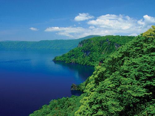 十和田湖(7月頃)のイメージ