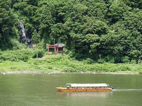 最上川舟下りのイメージ