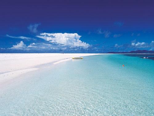 癒しの楽園 久米島 はての浜上陸ツアー 3日間