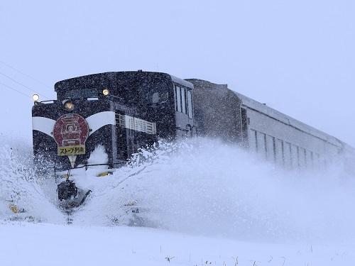 津軽鉄道「ストーブ列車」(イメージ)